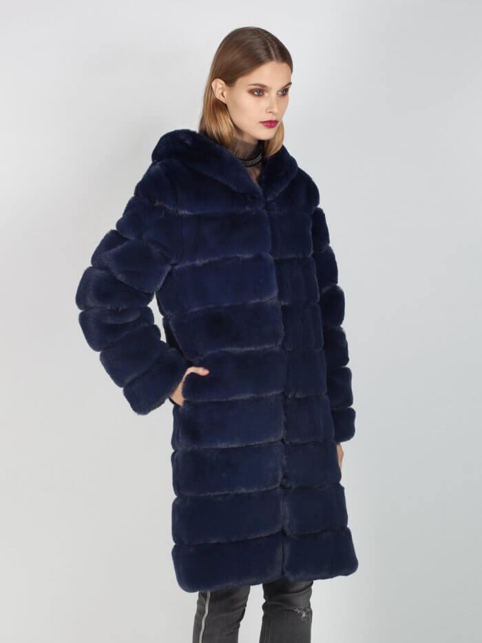 Παλτό με οικολογική γούνα σε μπλε χρώμα με κουκούλα